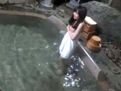 「だめ…困りますっ!」イケメンに寝取られる素人彼女が混浴風呂で激パコ