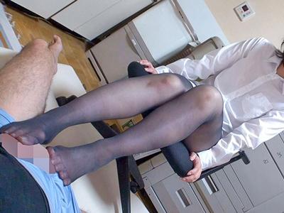 熟女限定!素人妻の脚を包み込む蒸れパンストを味わい尽くす中出しFUCK