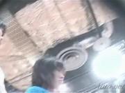 【盗撮動画】制服女子高生や激カワギャルのスカートを捲りパンチラを撮影する自分に陶酔してる鬼畜人物!