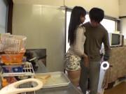 [素人]「いいよ♡このまま中で出して♡」人妻がコンドーム1つ渡さ...