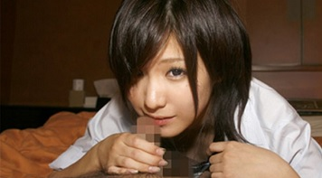 黒髪ショートの制服美少女がオジさんチンポに激ハメされる援〇ハメ撮...