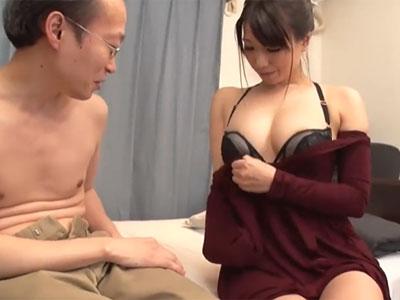 巨乳の肉感美女が膣奥への生中出しで思わず腰砕けアクメ