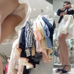 【盗撮パンチラ】可愛い子が集まる服屋さんは店員も綺麗でスタイル抜群♪美脚店員さんを逆さ撮りするべく盗撮魔が足元に急接近。いまにもバレそうなリアル盗撮映像にドキドキが止まらない。