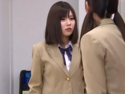 親友の身代わりになって教師にレ〇プされる美少女JK!