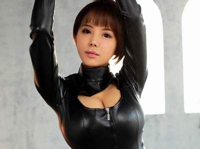 元海外モデルの爆乳お姉さんをヒイヒイ言わして3Pファック!