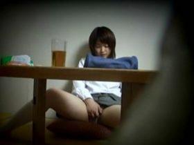 【盗撮動画】超可愛い美少女JCの妹の部屋を覗き撮り!オナニーしてる姿を収録したオカズ映像がコレwww