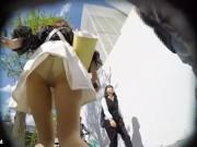 【盗撮動画】清純派な美人OL系のお姉さんを尾行してヒラヒラいスカート内からパンチラを撮り続ける!!