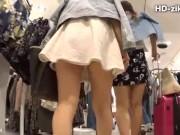 【盗撮動画】やけにエロそうな巨乳ボディの美人ギャルを発見したので尾行してパンチラを撮影したwww