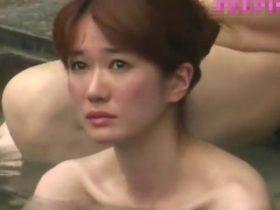【盗撮動画】ガチもの女子風呂映像!美人妻や怪物クラスの熟女ババアが全裸体共演www