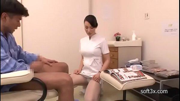 精子検査のために男のチンポを勃起させ抜いてくれる巨乳なナース