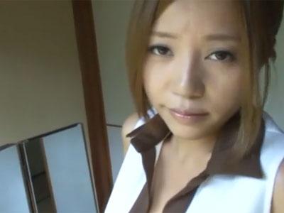 妖艶な瞳で見つめてくる巨乳なビッチ→我慢できずに旅館内で本気パコ