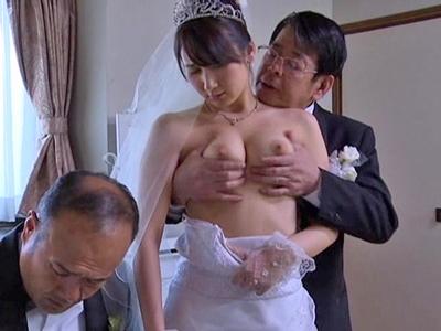 車椅子になってしまった夫を助けるために寝取られる奥さま