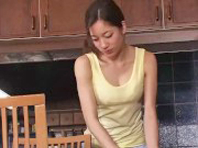 「嫌っ!やめて下さい…」ノーブラ緩めの服の人奥さまをテーブルに縛り付けてレ〇プ!