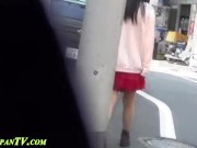 【HD盗撮動画】オシッコ我慢の限界で車の陰に隠れて放尿しちゃった素人お嬢さんの痴態www