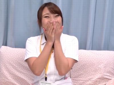 笑顔がキュートで美巨乳なな24歳看護師!激務のストレスを発散して暴発中出し受精