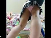 【盗撮動画】マニア必見!ショートヘア黒縁メガネの女子校生に粘着してパンチラ隠し撮り!!