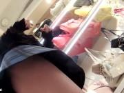 【盗撮動画】パンティは羽根付きに限る!!!素人ギャルのパンチラ映像でナプキン登場www
