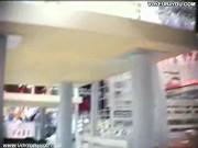 【盗撮動画】やっぱ素人一般人のOLお姉ちゃんや女子校生のパンチラが興奮そそる件www
