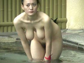 【HD盗撮動画】イイやつです!女子風呂覗き撮り!奇跡のホルスタイン級爆乳ハーフ美熟女!