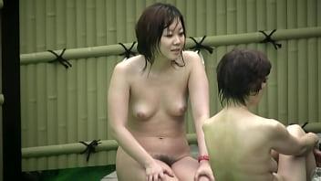 【HD盗撮動画】イイやつです!女子風呂覗き!!!ムッチリ恵体ボディの清純派美女と熟ママ!!
