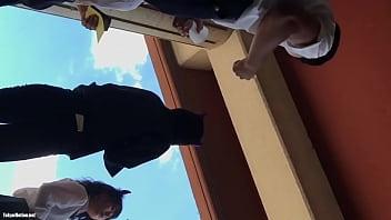 【HD盗撮動画】イイやつです!尻肉プルンプルルルン!!!文化祭でJKのパンチラ捕獲!!