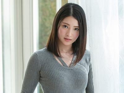 「AV10000本予約ならデビュー」達成しなかったら一般人に戻る企画で見事デビューを果たした美少女